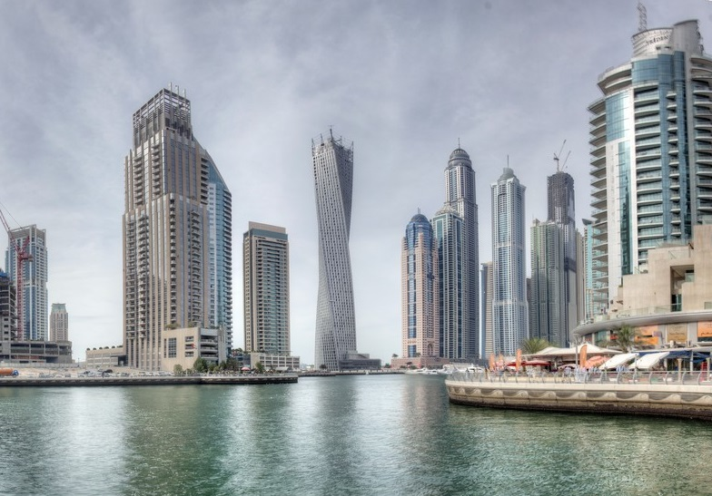 Cayan Tower, Dubai Marina – The Skyscraper with a Twist