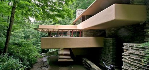 Fallingwater house exterior