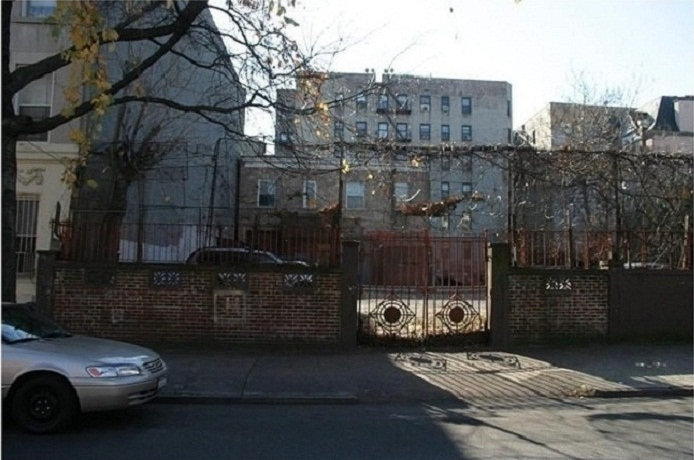 apartment in Crown Heights