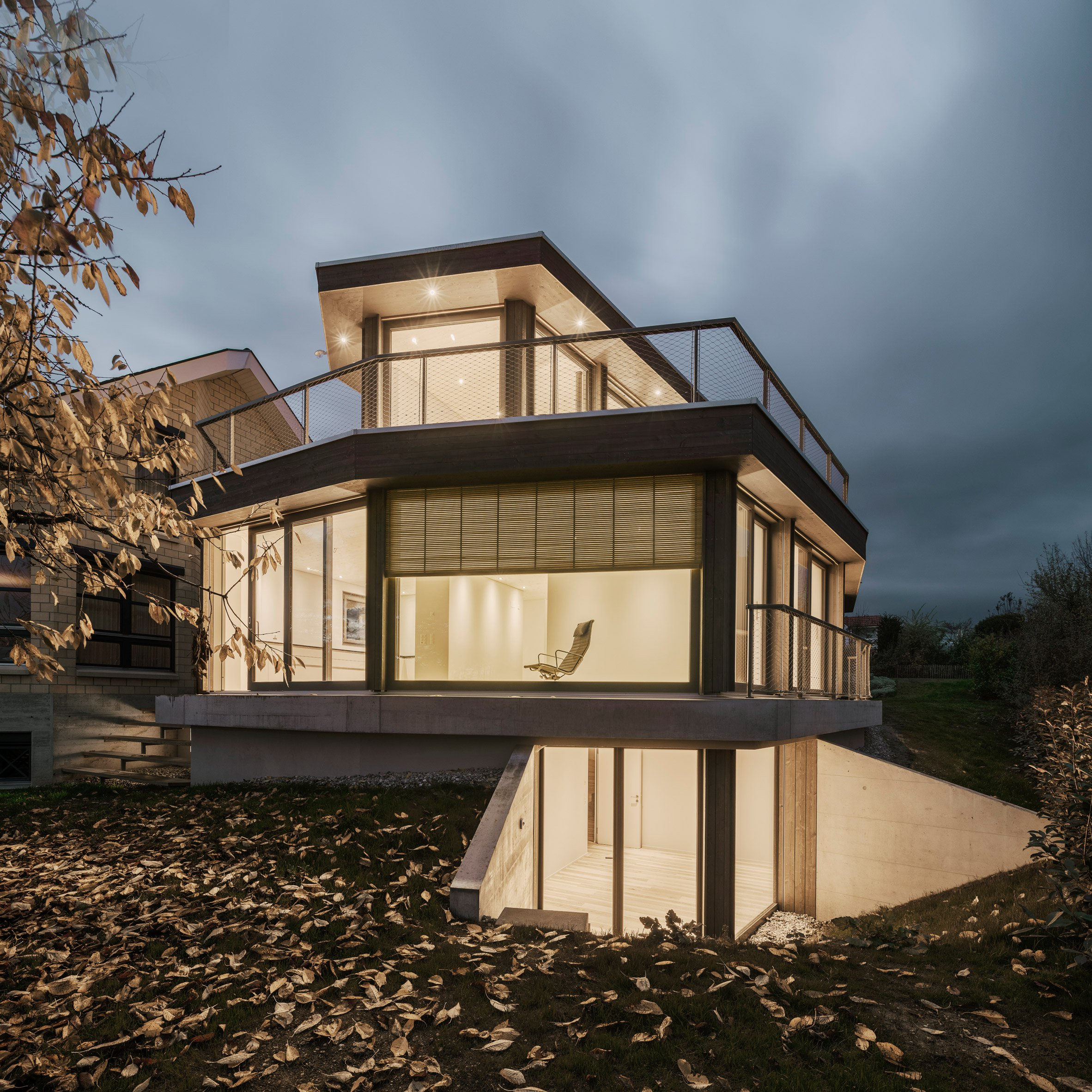 "January 2012 Skuratowski's ""pavilion-like"" Family home M features vast window(s) walls"