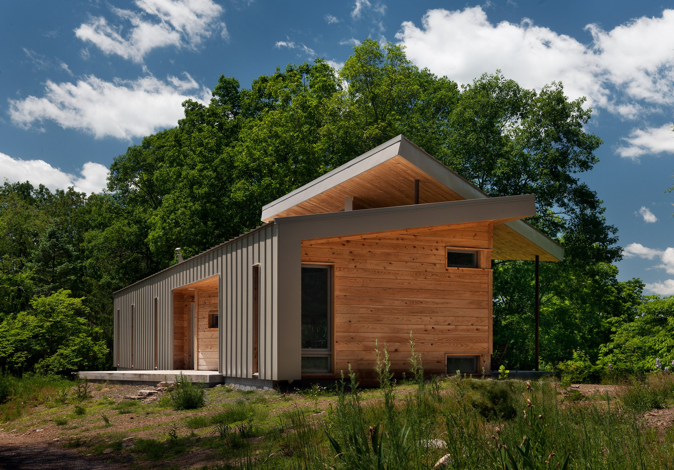 West Virginia home by GriD Architects perches above Potomac River